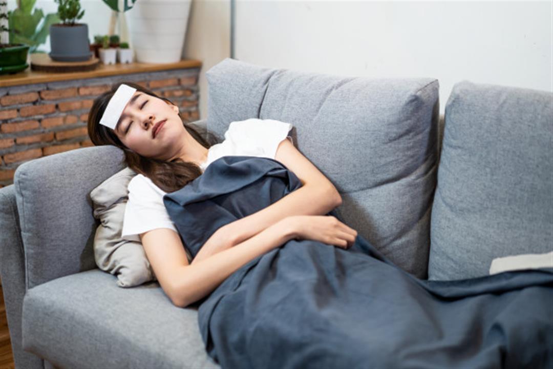 لماذا تستمر أعراض كورونا بعد التعافي؟.. أطباء يجيبون