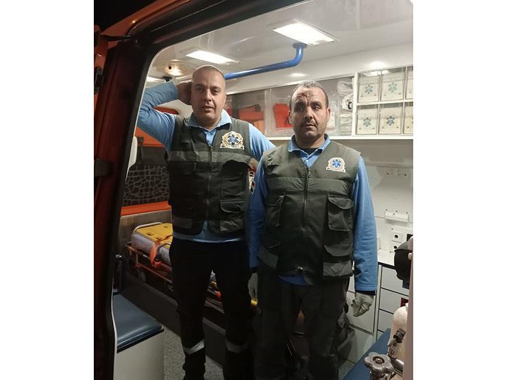 بحوزة مصاب بغيبوبة.. مسعف وسائق يسلمان 392 ألف جنيه للشرطة في الغربية