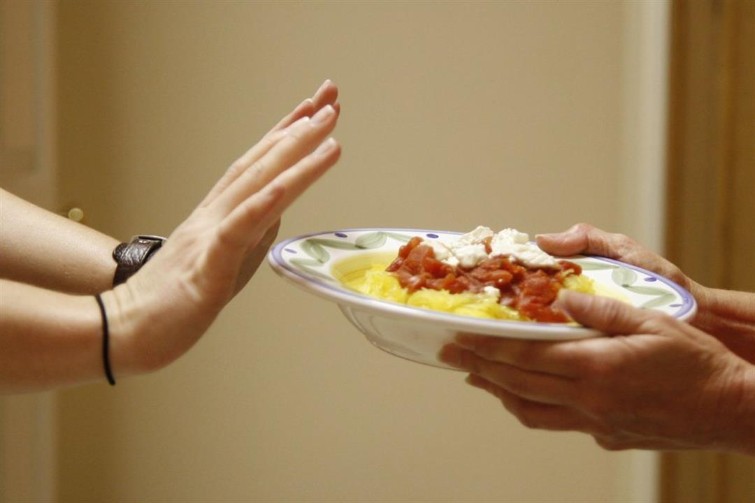 قد يسبب زيادة الوزن.. دراسة تكشف تأثير إهمال وجبة العشاء على الجسم