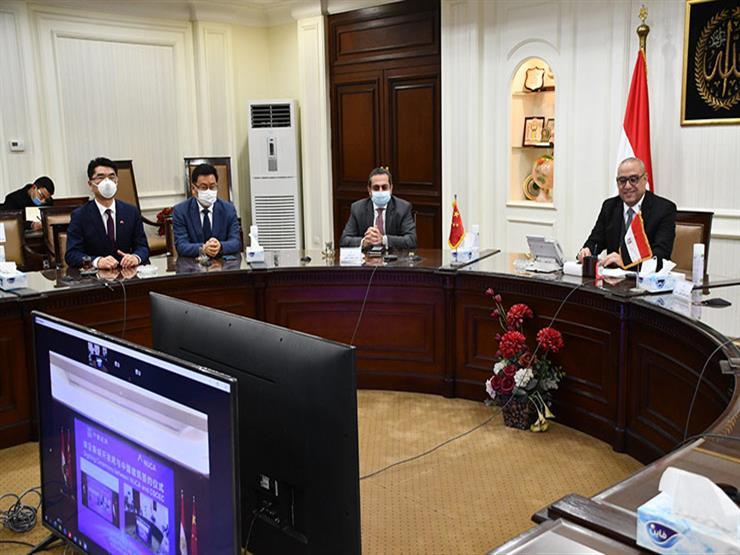 وزير الإسكان وسفير مصر بالصين يشهدان توقيع تشغيل منطقة الأعمال بالعاصمة الإدارية