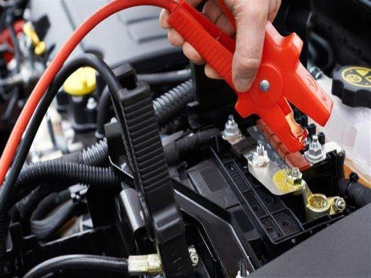 الطريقة الصحيحة لبدء تشغيل السيارة بمساعدة خارجية