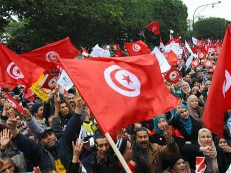 مظاهرات ضد القمع الأمني في تونس والحكومة تمدد حظر التجول