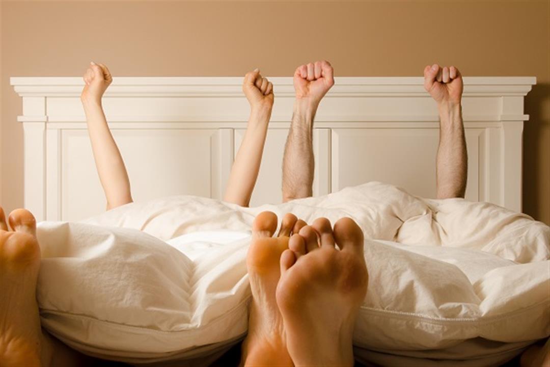منها فقدان الوزن.. 6 فوائد يقدمها الجماع الصباحي لصحة المتزوجين