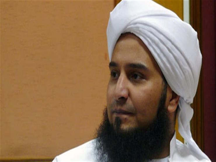 الحبيب الجفري يصل مسجد الباقيات الصالحات للمشاركة في تشييع جثمان الدكتورة عبلة الكحلاوي