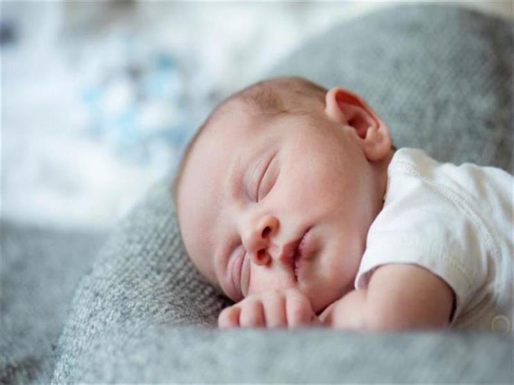 للأمهات.. أسباب وأعراض نقص السكر لدى الأطفال حديثي الولادة