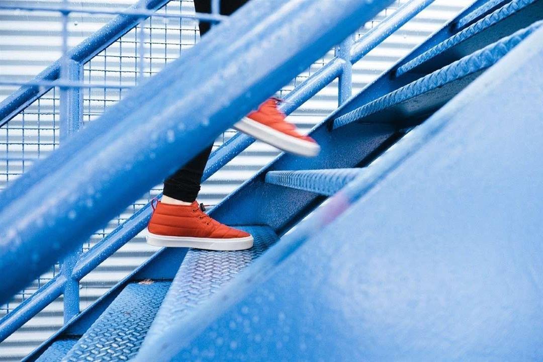 4 فوائد صحية لصعود الدرج.. من الفئات الممنوعة منه؟
