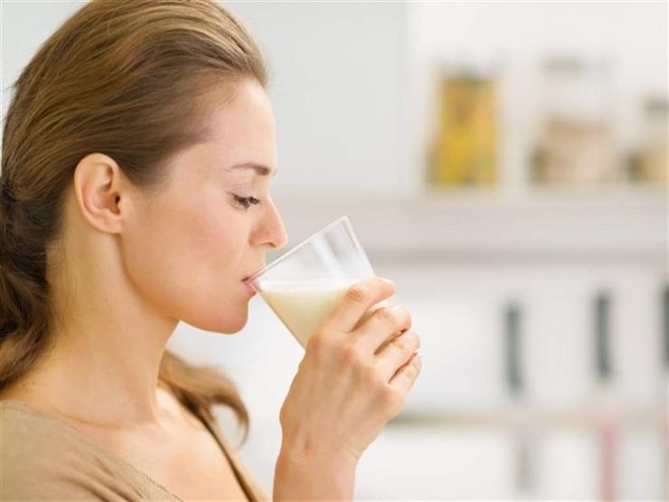 الإفراط يهدد صحتك.. كم يحتاج الجسم يوميا من الحليب؟