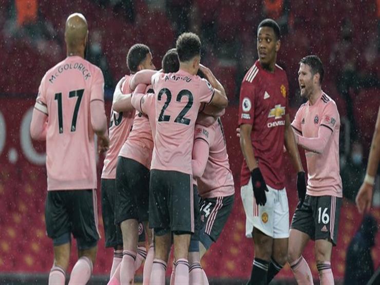 شيفيلد يباغت مانشستر يونايتد بثنائية ويحرمه من استعادة صدارة الدوري الإنجليزي