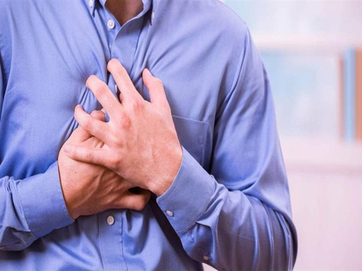 تعاني من ألم الصدر بالجانب الأيمن؟.. إليك أبرز الأسباب المحتملة
