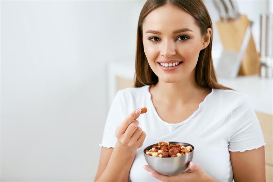 تزيد الوزن.. 5 أخطاء احذر الوقوع فيها عند تناول المكسرات