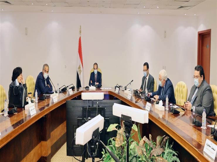 وزيرا التعليم والاتصالات يتابعان تنفيذ منظومة الامتحانات الإلكترونية