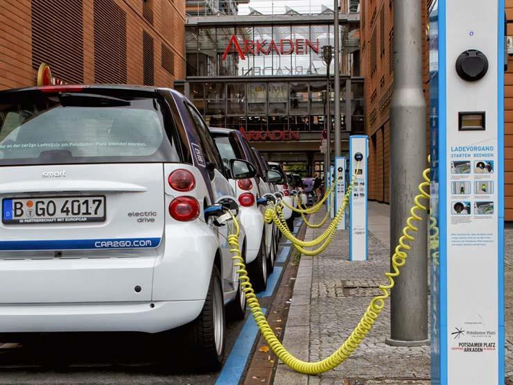 لهذا السبب.. ألمانيا تشهد ارتفاعًا غير مسبوق لمبيعات السيارات الكهربائية في 2020