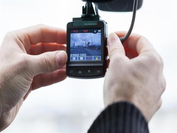 صورة داش كام: أفضل أداة فعالة لمراقبة الأحداث أثناء القيادة.. وا