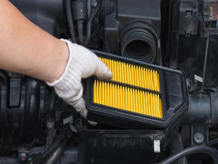 أيهما أفضل  تنظيف فلتر الهواء أم استبداله.. وما هي الأعطال التي يسببها؟