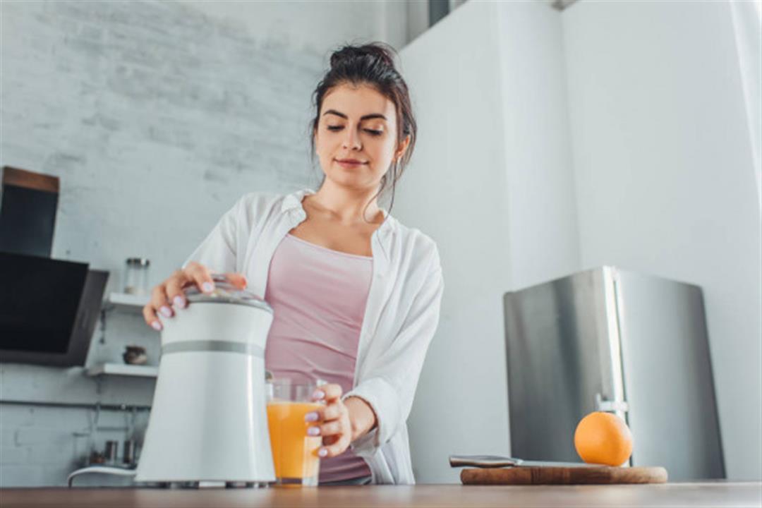 لا تكثر من عصير البرتقال.. يهدد عظامك بمرضٍ مزعج