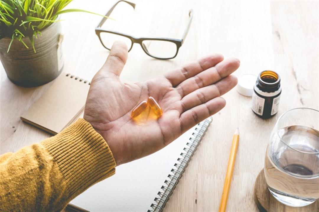 5 مكملات غذائية مفيدة لصحة العين.. استشر الطبيب قبل تناولها