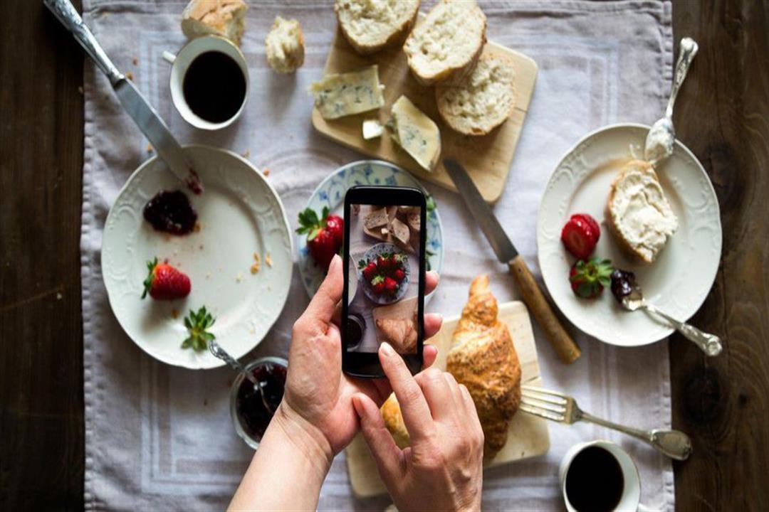 ضرر جسدي محتمل لمشاركة صور الطعام على مواقع التواصل الاجتماعي