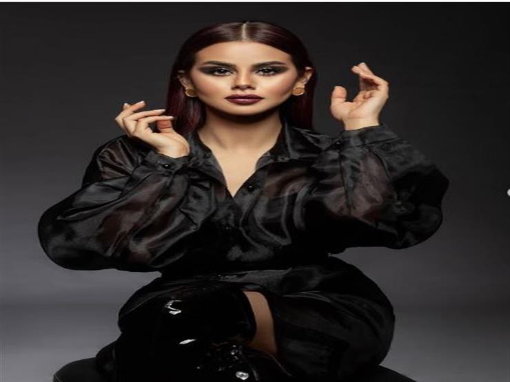 منة عرفة تنشر صورة رفقة خطيبها وهكذا علقت