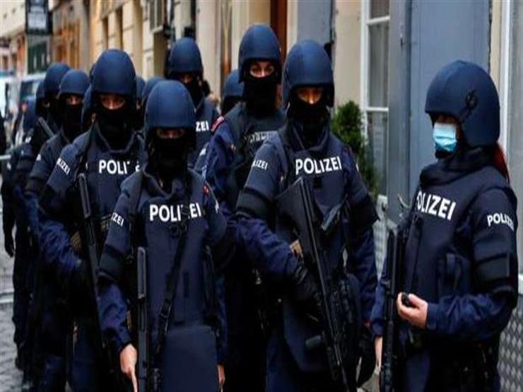 قوات مكافحة الإرهاب النمساوية تحاصر مظاهرات لمتطرفين ضد قيود كورونا