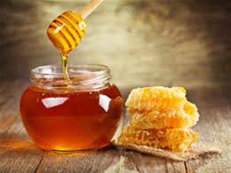 بحيل بسيطة.. كيف نتحقق من نقاء العسل قبل تناوله؟