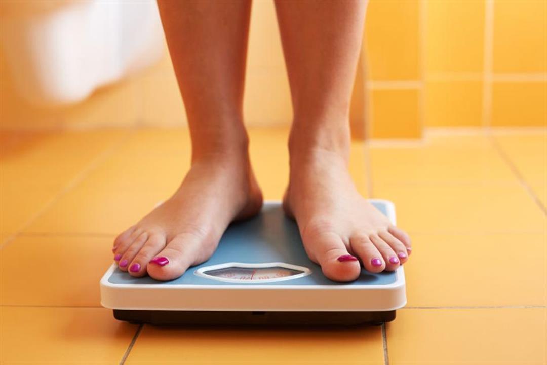 يزداد وزنك رغم قلة الطعام؟.. 4 فيتامينات نقصها يسبب السمنة (صور)