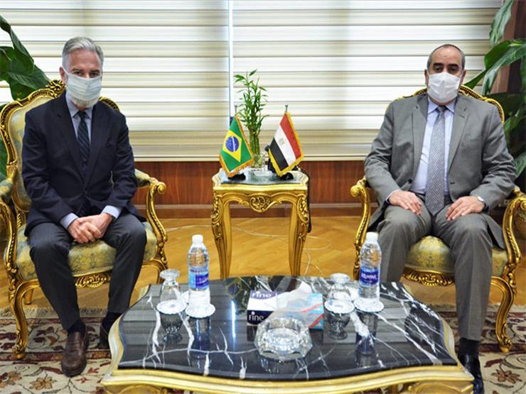 منار يبحث مع سفير البرازيل بالقاهرة تسيير خط طيران بين البلدين