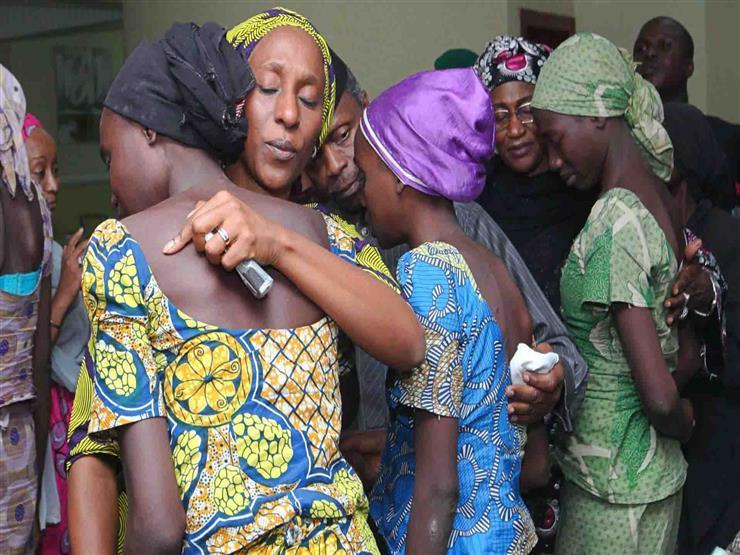 """""""قصة لم تروى"""".. كيف نجت """"فتيات شيبوك"""" من أسر ظل 3 سنوات في نيجيريا؟"""