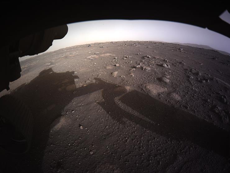 شاهد.. أول صورة ملونة عالية الجودة لسطح كوكب المريخ