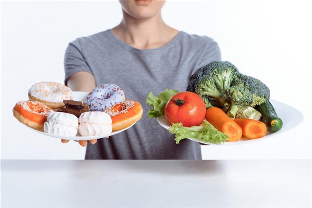الحلويات نقطة ضعفك في الرجيم؟.. الخضروات دليلك السحري للابتعاد عنها