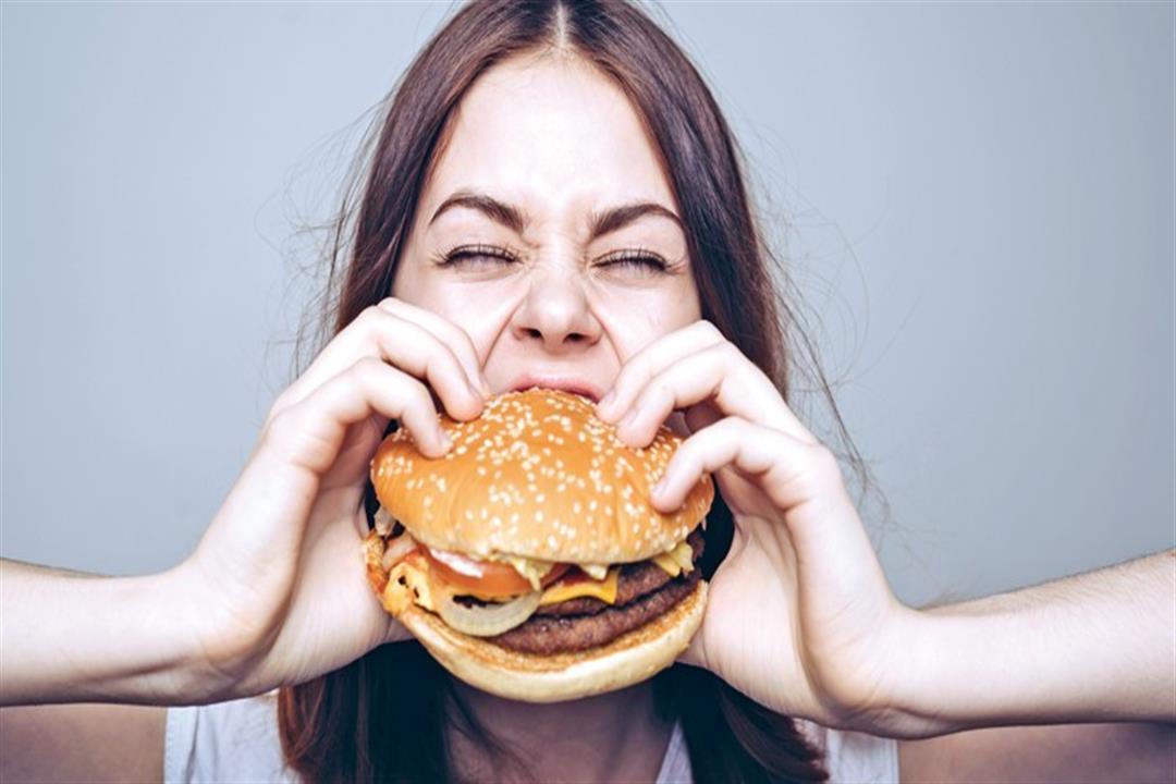 احذرها عند التوتر.. 5 أنواع من الأطعمة تسبب مخاطر لجسمك (صور)