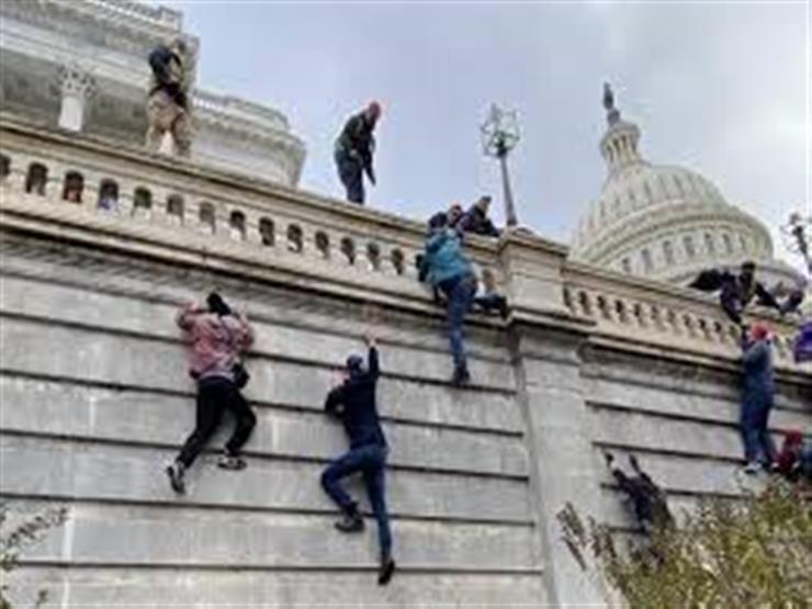 توجيه الاتهامات لأكثر من 300 شخص لدورهم في أعمال الشغب بمبنى الكابيتول