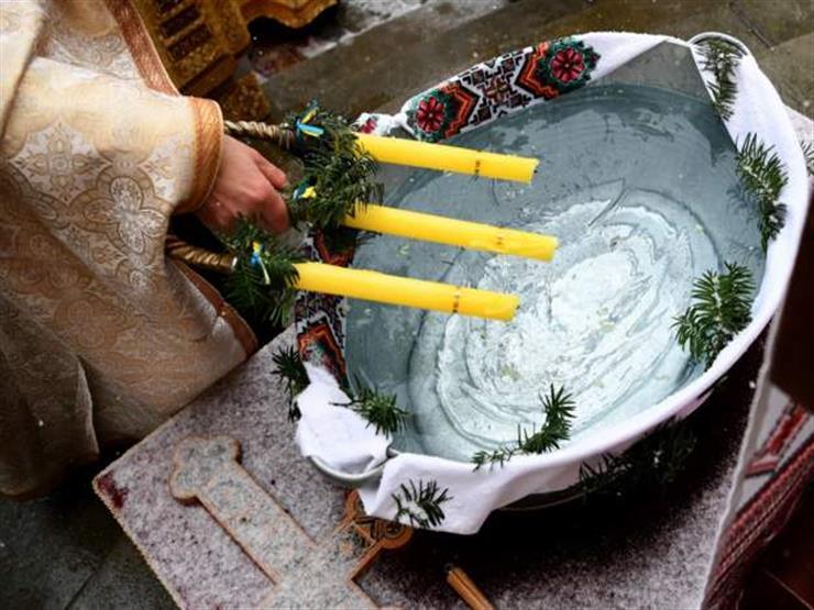 تعميد رضيع في أسبوعه السادس يؤدي إلى وفاته ويثير جدلا في رومانيا