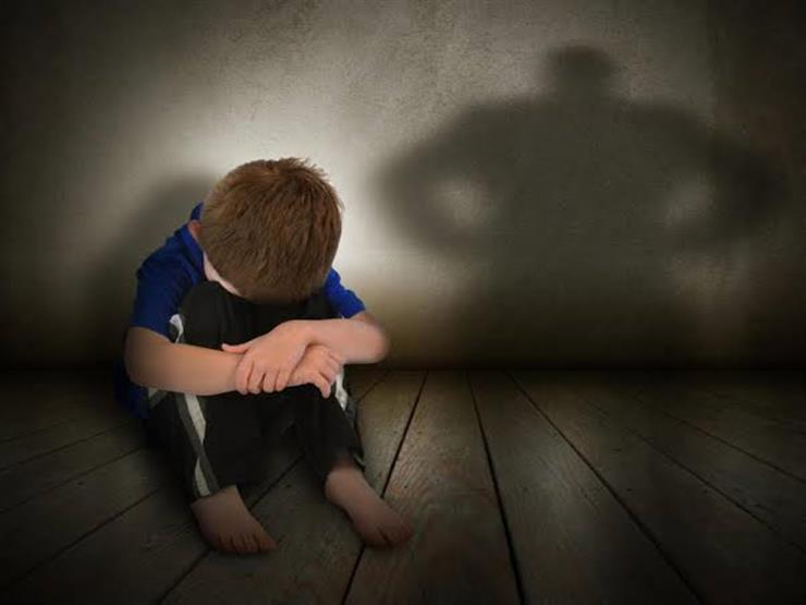 بعد أن تكتمت طفلة المعادي على ما حدث لها.. كيف تكشف أن ابنك تعرض للتحرش؟