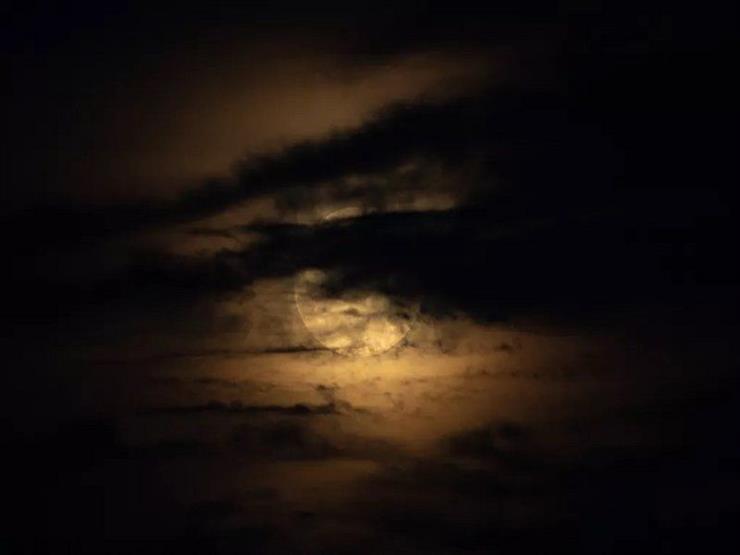 اختفاء القمر طول الليل.. تفاصيل ظاهرة فلكية تشهدها سماء مصر الليلة
