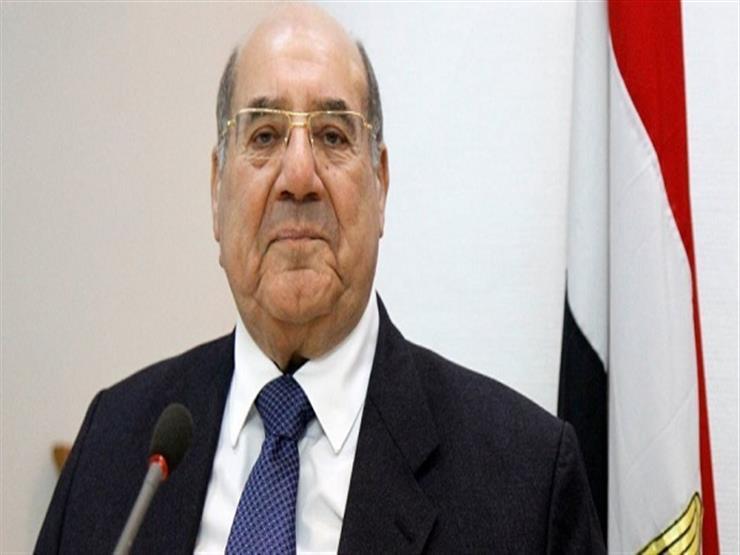 """رفع اسم مصر عاليًا.. رئيس """"الشيوخ"""" يهنئ السيسي بنجاح تعويم السفينة ونقل المومياوات"""