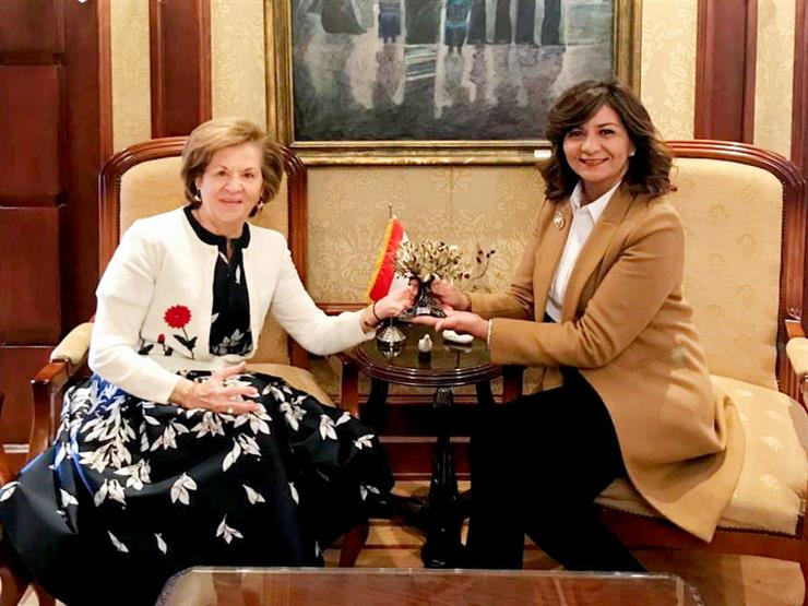 """سيدة أعمال مصرية يونانية تتبرع بـ 20 ألف يورو  لمبادرة """"حياة كريمة"""""""
