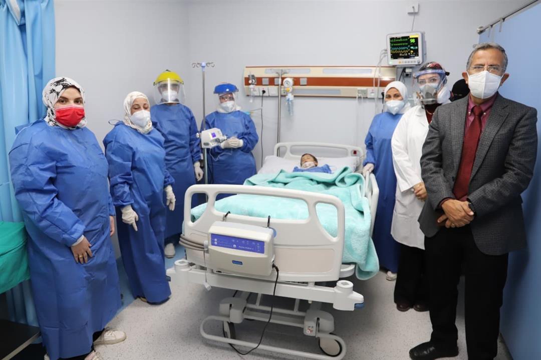 سعره 34 مليون جنيه.. جامعة عين شمس توفر علاج لطفل مصري
