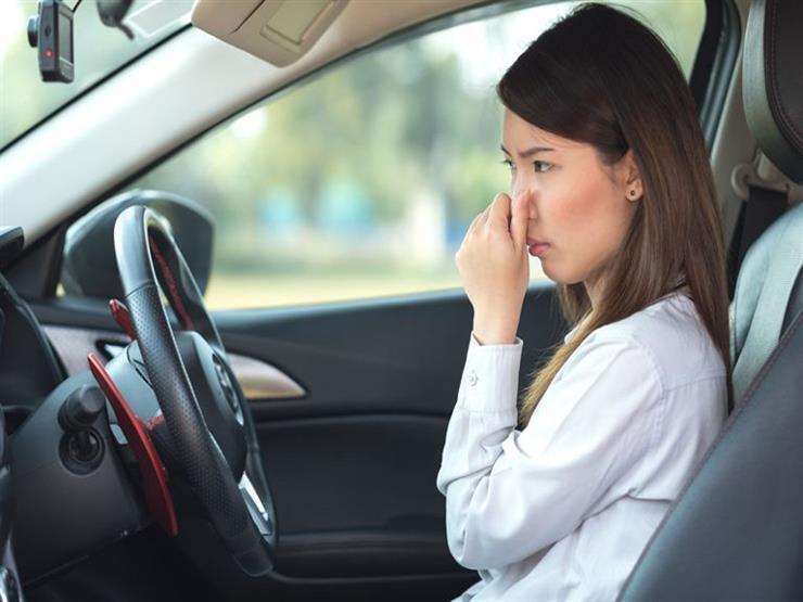 تعرف على 5 روائح مختلفة تكشف نوعية الأعطال في السيارة