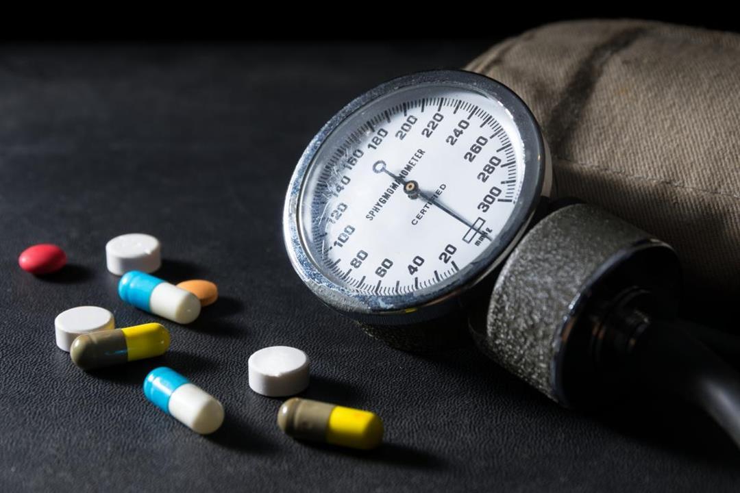 صباحًا أم مساءً؟.. طبيب يوضح أفضل وقت لتناول أدوية الضغط المرتفع