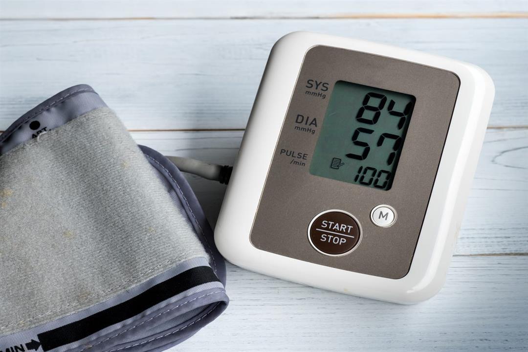 أعراض انخفاض ضغط الدم.. متى يستدعي زيارة الطبيب؟