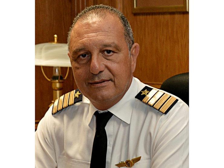 عمرو أبوالعينين رئيسا للقابضة لمصر للطيران خلفا لرشدي زكريا