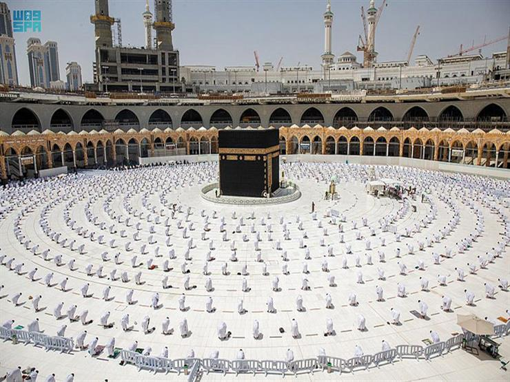 صورة خطيب المسجد الحرام يحذر من استحواذ وسائل التواصل على الأبناء