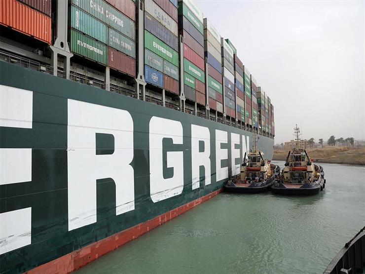 أول مرة في التاريخ.. مهندس بقناة السويس يكشف كواليس جديدة لتعويم السفينة الجانحة - فيديو