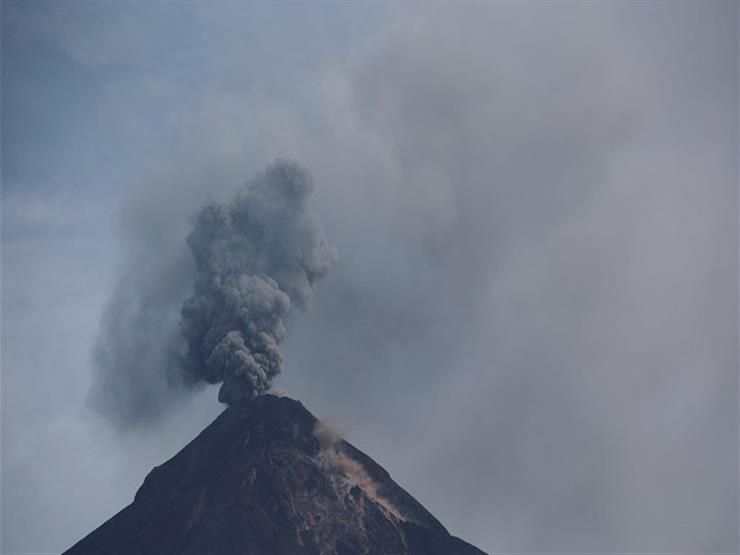 """ثوران بركان """"باكايا"""" في جواتيمالا للمرة الثانية خلال 3 أيام"""