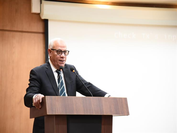 محافظ بورسعيد: 3 ورديات لرفع تجمعات القمامة خلال أيام العيد