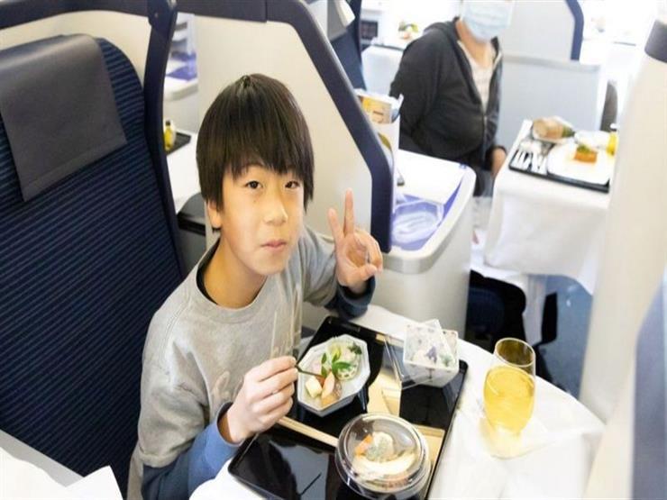 فيروس كورونا: وجبة طعام واحدة في طائرة رابضة على المدرج في اليابان تكلف 540 دولارا
