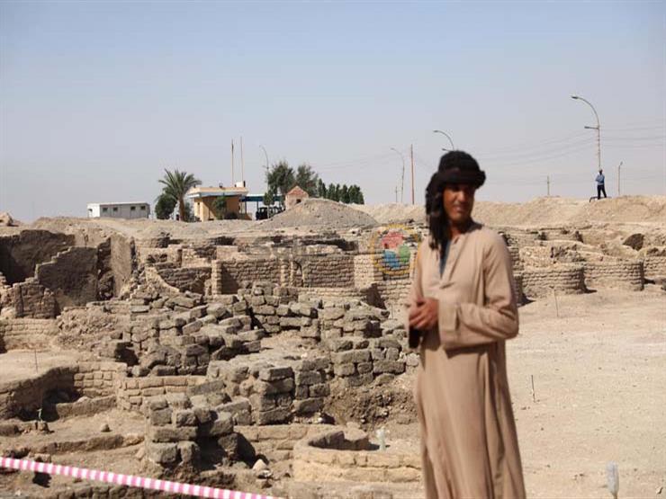 عضو البعثة الأثرية لزاهي حواس يكشف أسرار المدينة المفقودة بالأقصر