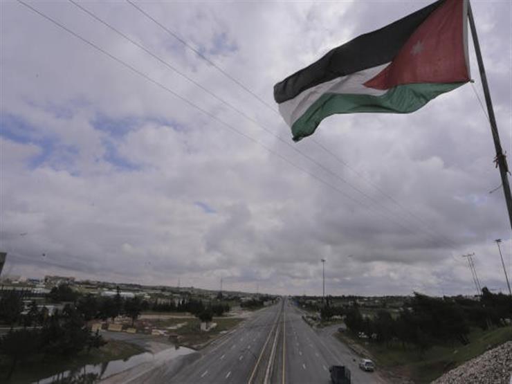 قتيل و6 مصابين إثر انهيار داخل نفق غرب الأردن