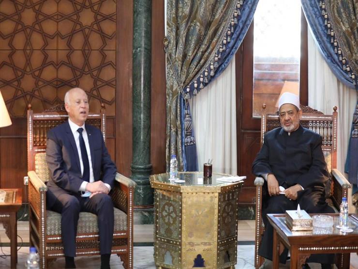 الرئيس التونسي لـ شيخ الأزهر: نحتاج للعمل معا لحماية الشباب العربي من الأفكار المتطرفة