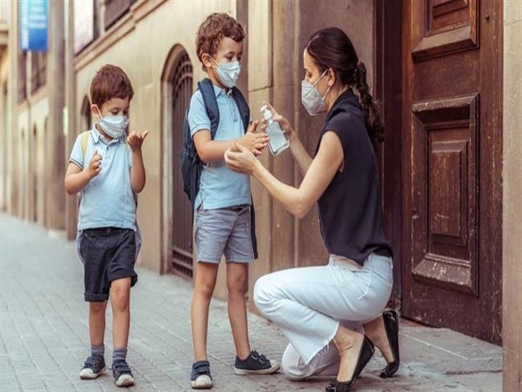 كيف تحافظ على طفلك من كورونا عند زيارة الأقارب بمنازلهم؟